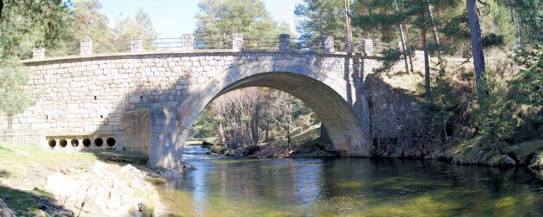 Puente del Duque sobre el rio Tormes